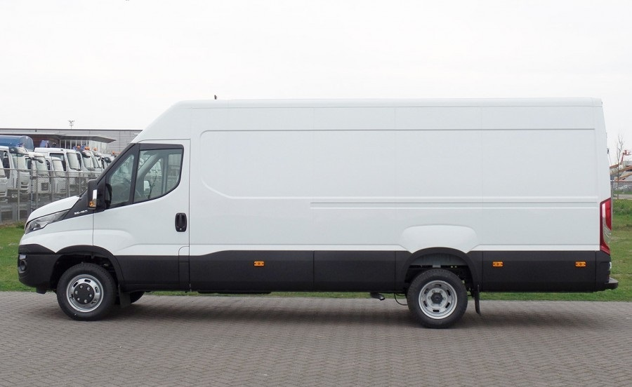 22688 - 10 units Iveco 35C15 Daily 4x2 Europe