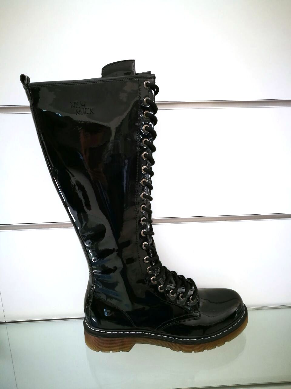 22761 - Stocklot New Rock boots Europe