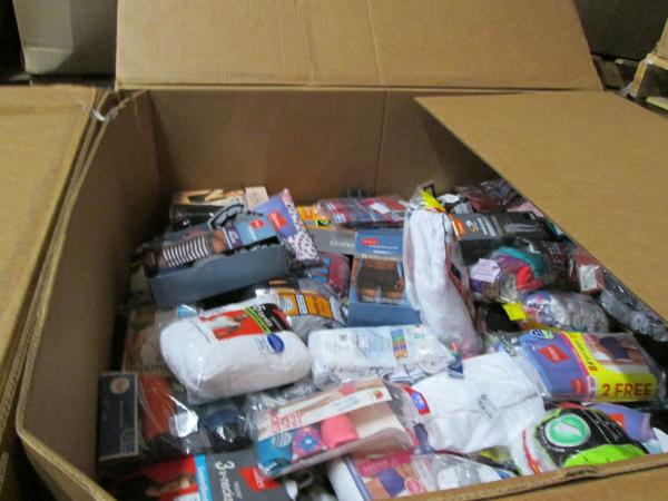 22876 - 18 Pallets of Undergarments USA