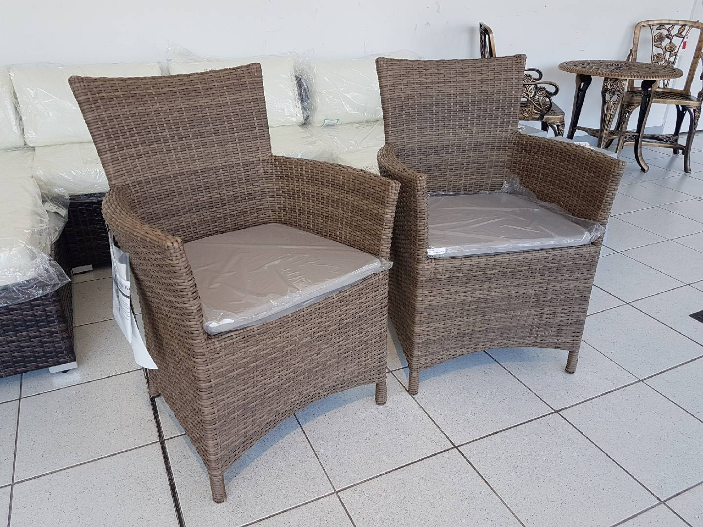 23918 - RATTAN CHAIRS WITH CUSHION Europe