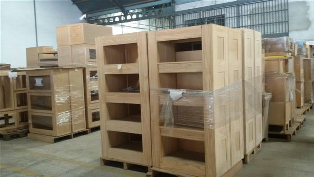 25606 - STOCK OF FURNITURE AND DECORATION Europe