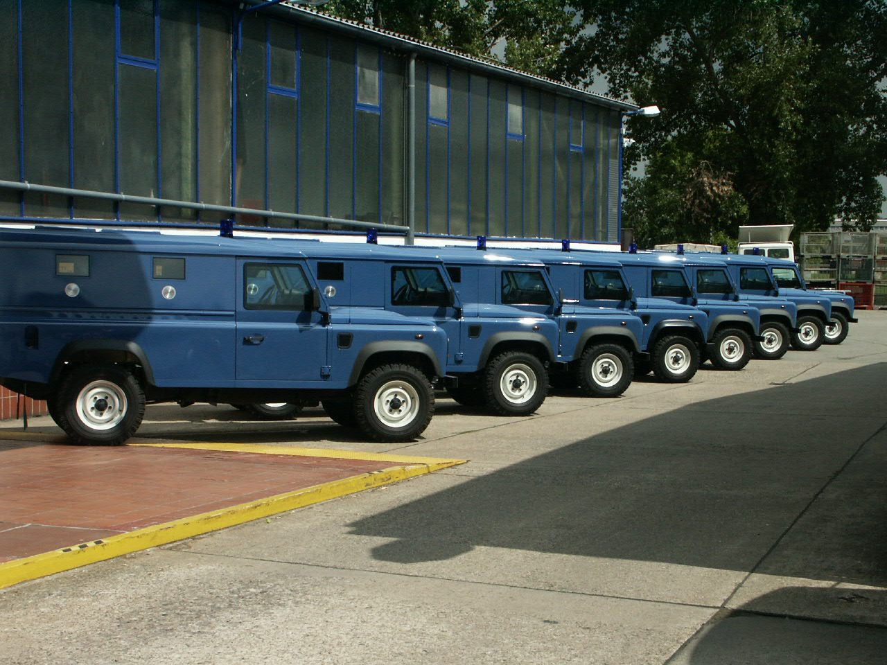 26299 - Land-Rover police vehicles Europe