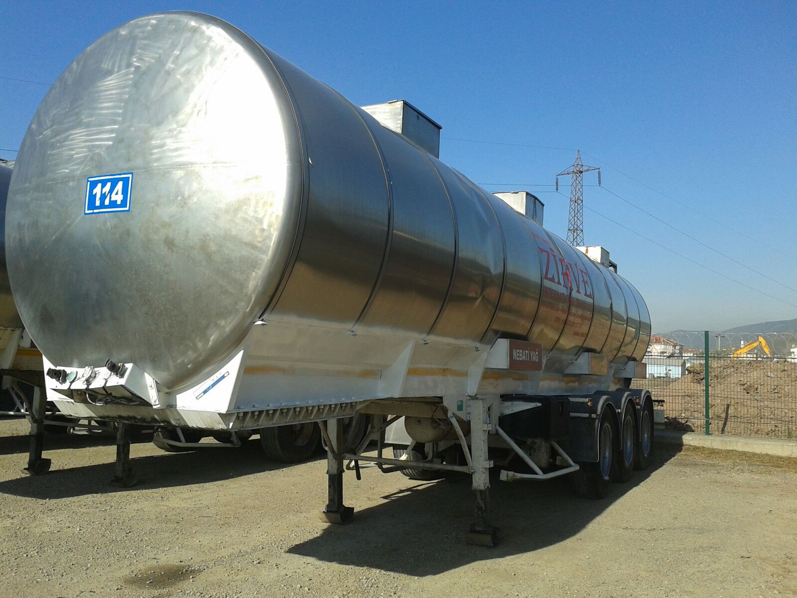 USED TRAILER TANKER INSULATION IZOCAM and STANLEES SHEET
