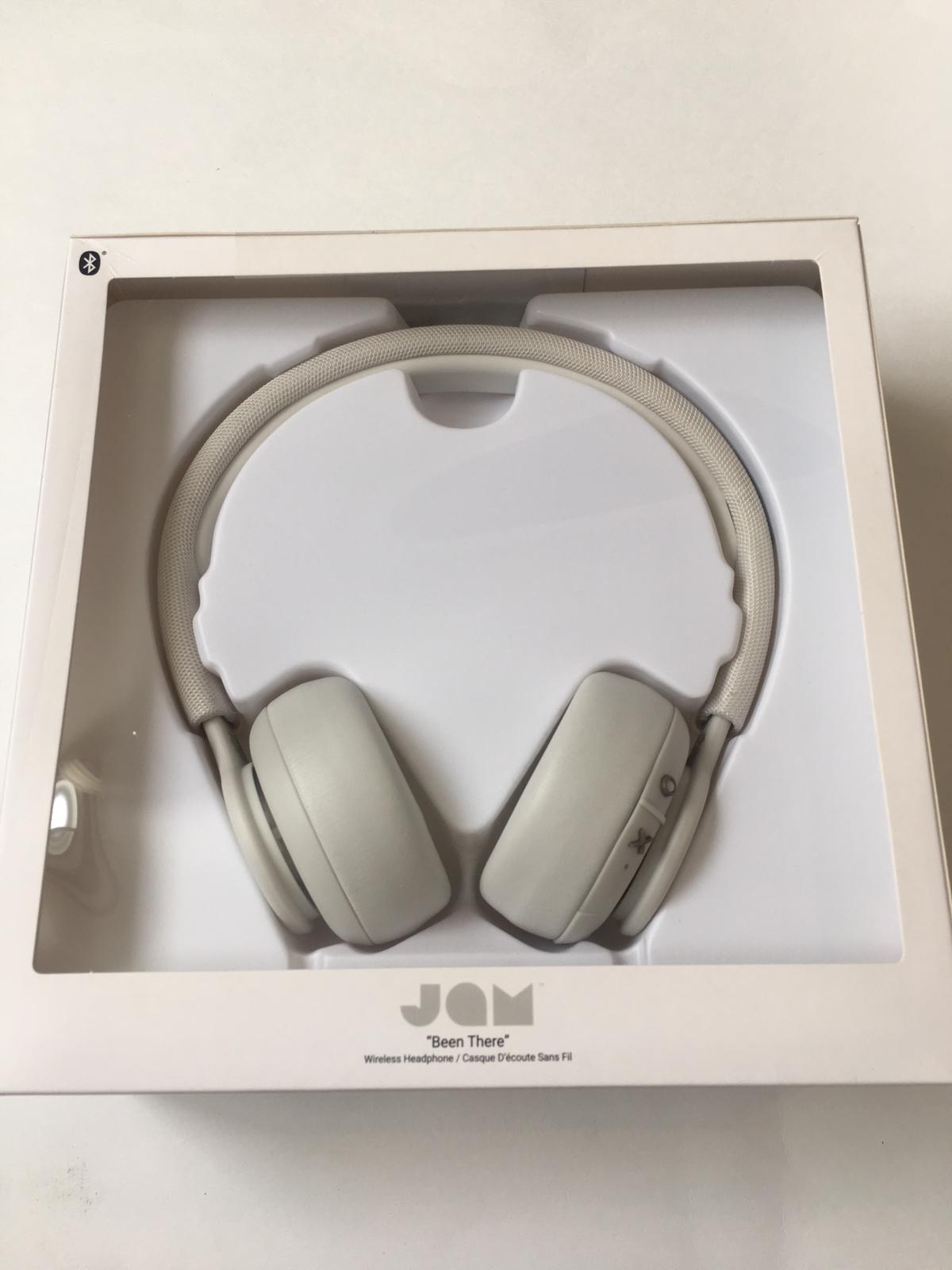 c238017ba88f 32075 - Wireless white headphones USA