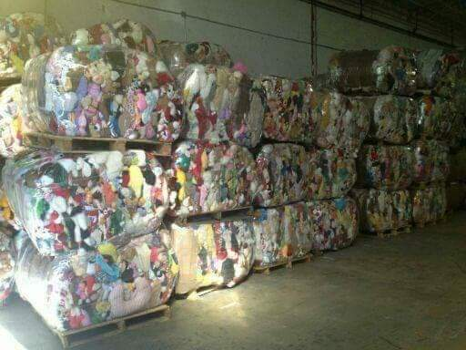 33919 - Mixed Toy 45' Containers USA