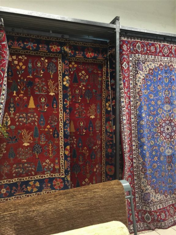 35439 - Stocklot hand knotted Carpets Europe