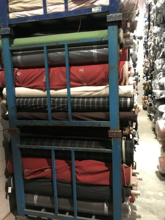 35626 - Stock offer: 25 tons of mixed high-quality European woven fabrics Europe