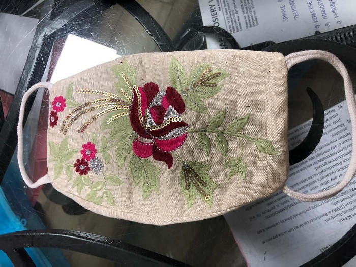 37095 - Embroidered cotton masks India