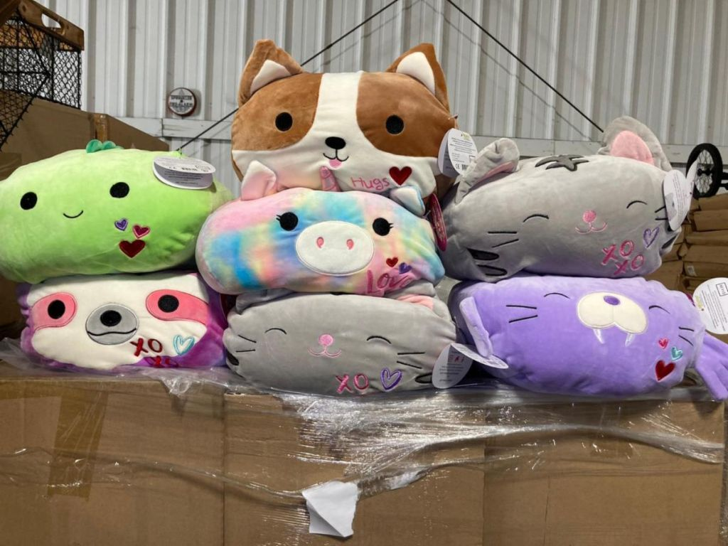 38008 - New Toy Lot: Sweet Pups, Squishmallows, WWE Rumblers, Stik Bots, Drones, Nerf Guns, Polly Pockets and More USA