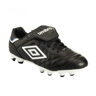 39595 - Umbro soccer shoes Europe
