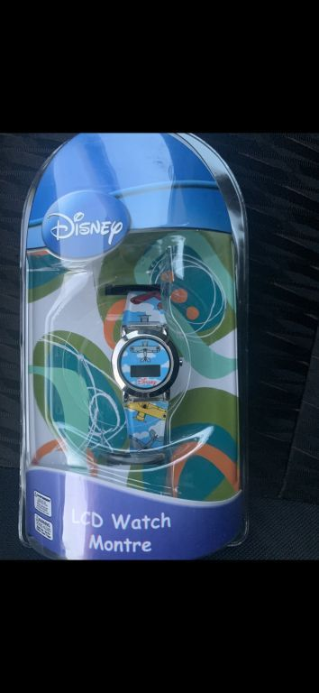 39805 - NEW LICENSED DISNEY & MARVEL WATCHES USA